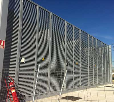 Puertas Batientes en Lamas de Ventilación